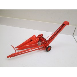 1 ROW CORN PICKER, WITH SNAPPING ROLLS