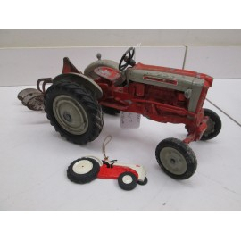 HUBLEY 901 WITH 3 BOTTOM PLOW, ORG