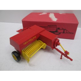 PLASTIC BALER FROM 60'S NIB